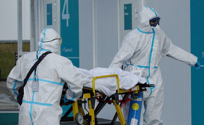 """منظمة الصحة العالمية: """"لم نتخطَّ مرحلة الخطر"""" في مكافحة كوفيد-19"""