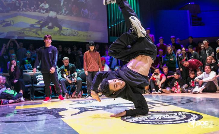 """رقصة """"البريك دانس"""" .. جهود وخطة مغربية لدخول أولمبياد باريس 2024"""