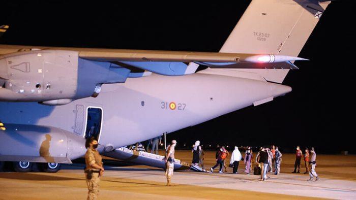 L'Espagne accueille un second groupe de 160 réfugiés afghans