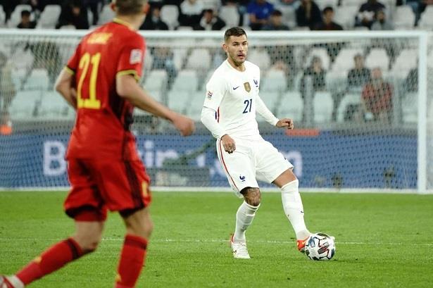 القضاء الإسباني يأمر بحبس لاعب المنتخب الفرنسي