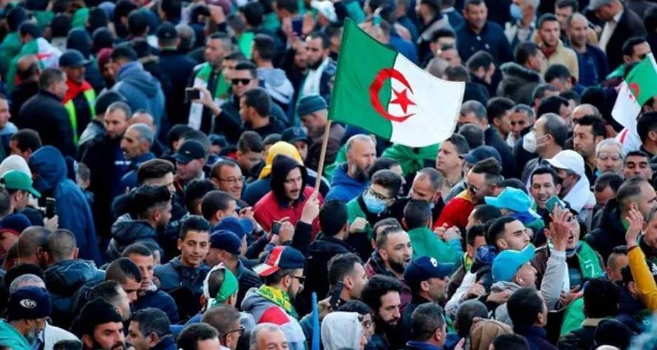 Algérie : Vague de dénonciations suite à la dissolution d'une association de défense des droits humains