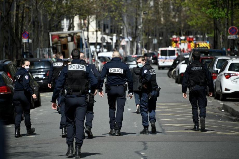 France: un mort et deux blessés dans une fusillade à l'arme lourde près de Paris