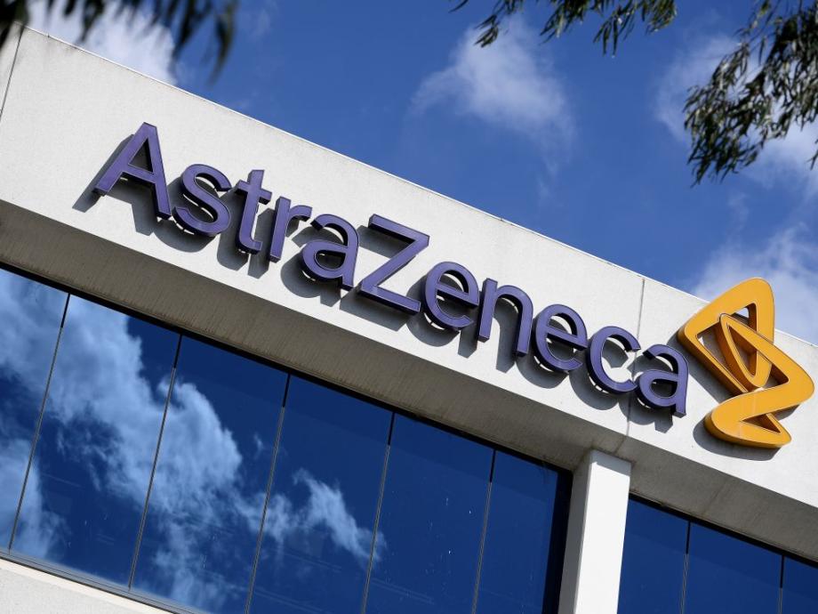 Covid-19: l'EMA étudie un nouveau traitement développé par AstraZeneca