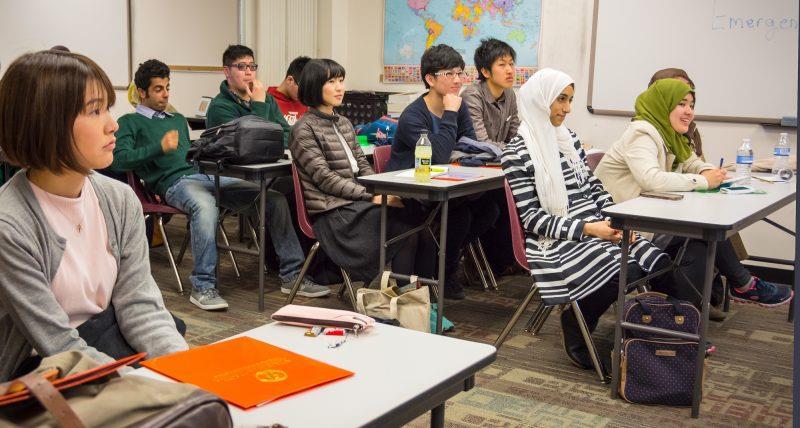 الكنائس تنخرط في تعليم اللغة الإنجليزية في أمريكا