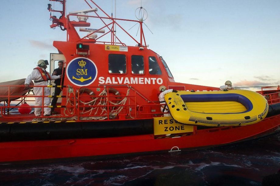 Naufrage d'une embarcation près de Cadix: quatre morts et 21 migrants portés disparus