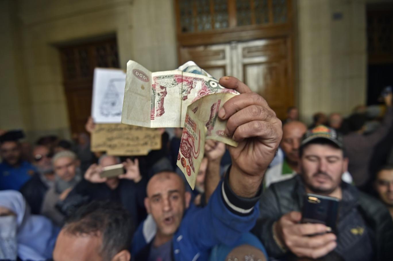 67 في المائة من الجزائريين متشائمون بشأن مستقبل بلادهم
