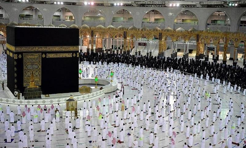 السعودية تسمح باستخدام كامل الطاقة الاستيعابية في الحرمين