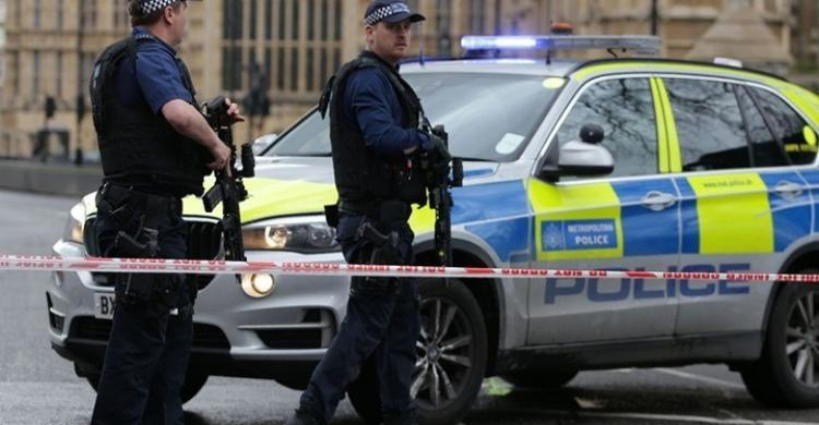 طعن نائب محافظ حتى الموت في بريطانيا
