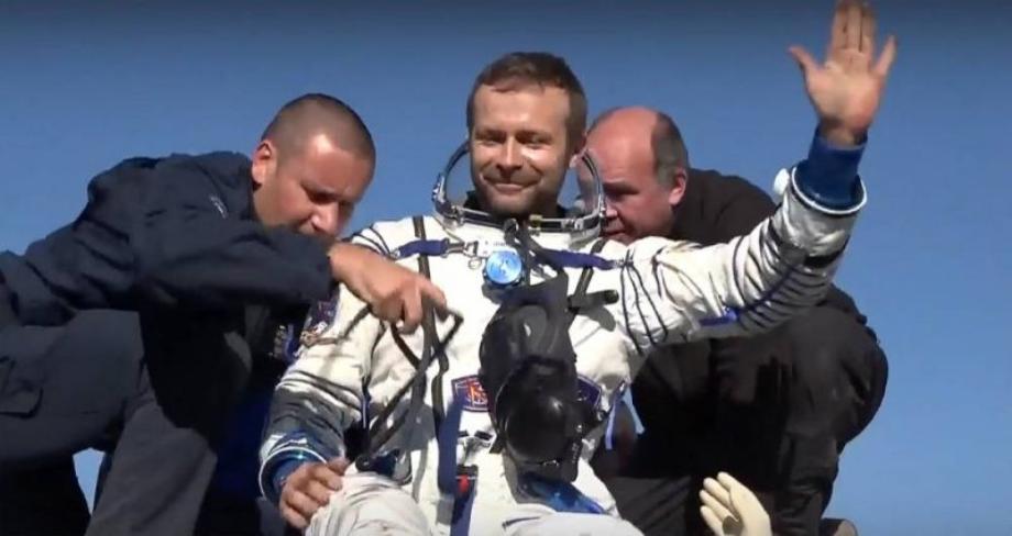 Atterrissage réussi de l'équipe russe ayant tourné le premier film en orbite