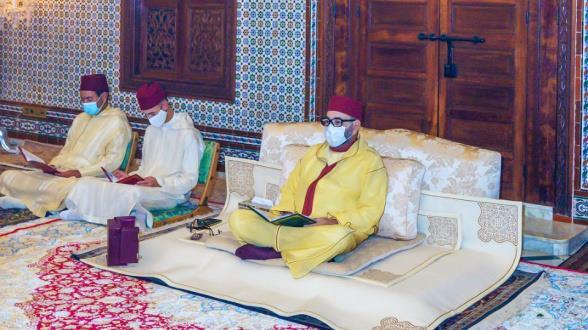 Le Roi Mohammed VI, Amir Al-Mouminine, célèbre une veillée religieuse en commémoration de l'Aïd Al-Mawlid Annabaoui Acharif