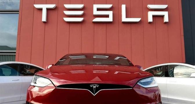 Automobile: Tesla affiche des bénéfices record au 3T grâce à des ventes solides