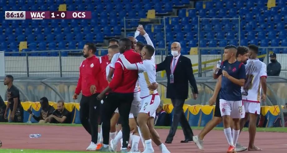 فيديو.. الوداد ينتزع الصدارة بعد فوزه على أولمبيك آسفي