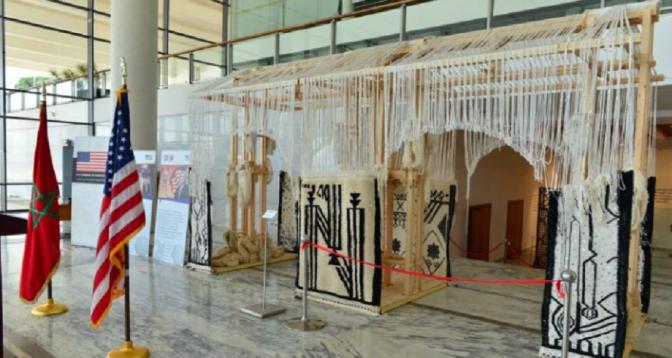 """Célébration des 200 ans d'amitié Maroc-USA: l'exposition """"De Voix et de Pierre"""" fait escale à Casablanca"""