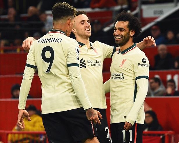 هاتريك تاريخي لصلاح ..ليفربول يذل مانشستر يونايتد في معقله