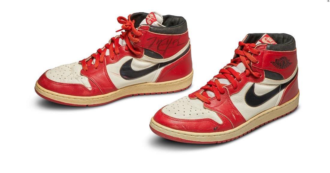 بيع حذاء انتعله مايكل جوردان بسعر قياسي