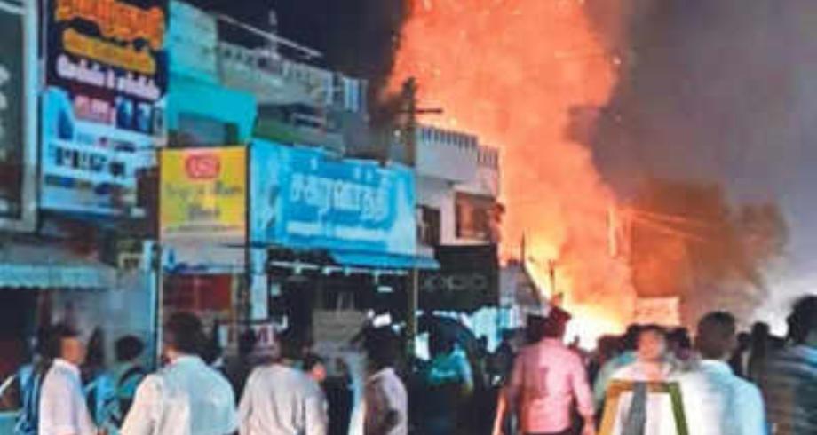 الهند .. ستة قتلى في حريق في متجر للألعاب النارية