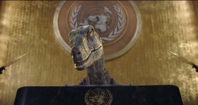 """""""ديناصور"""" في الأمم المتحدة للتحفيز على العمل من أجل المناخ"""