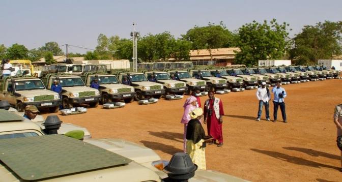 Don du matériel militaire de la France au Niger pour lutter contre le terrorisme