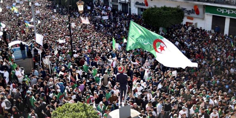 """مجلة إسبانية: النظام الجزائري يحاول """"صرف الانتباه عن الوضع الاقتصادي والاجتماعي المتردي في البلاد"""""""