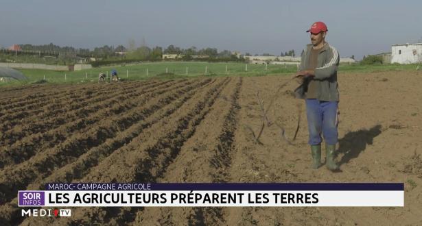Maroc-Campagne agricole: les agricultures préparent les terres