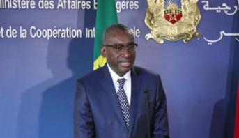 """وزير خارجية السنغال : مقترح الملك محمد السادس إرساء آلية لحوار صريح ومباشر مع الجزائر """"يسير في اتجاه استثباب الاستقرار بالمنطقة"""""""