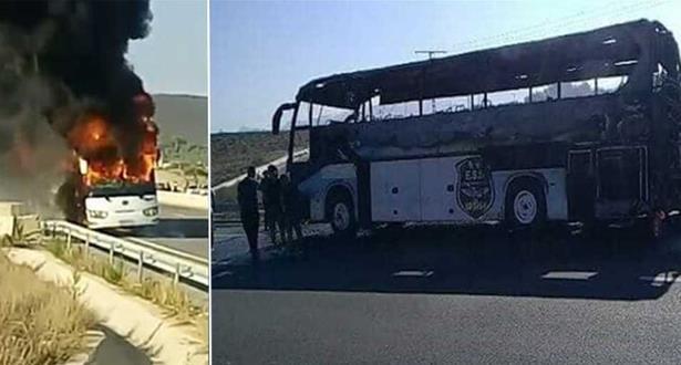 اندلاع حريق مهول في حافلة وفاق سطيف الجزائري