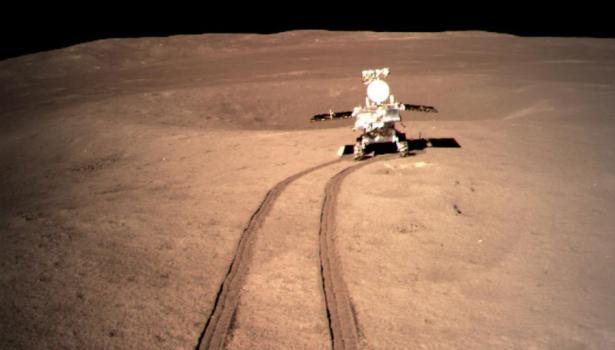 """المركبة القمرية """"يوتو-2"""" تتحرك بسلاسة على الجانب البعيد من القمر"""