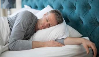 دراسة علمية صينية تكشف العلاقة بين عادة النوم ومرض الزهايمر