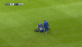 زياش يخرج مصابا في أول مباراة بقميص تشيلسي